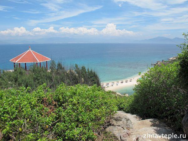 пляж на острове ласточек