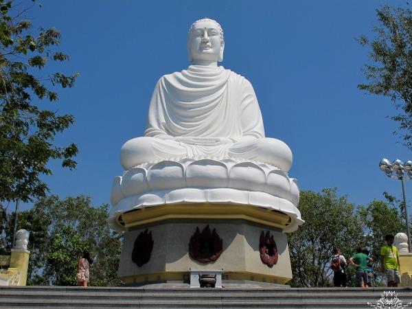 Буддийский храм в Нячанге